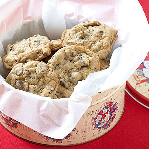 Oatmeal-Raisin Chocolate Chip Cookies