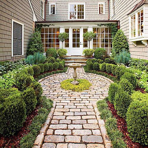 9 Cottage Style Garden Ideas: Landscaping With Boxwoods