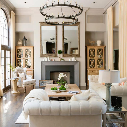 Jessie james decker 39 s nashville home makeover southern - Southern living living room photos ...