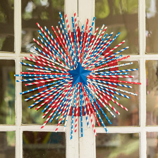 Drinking Straw Wreath