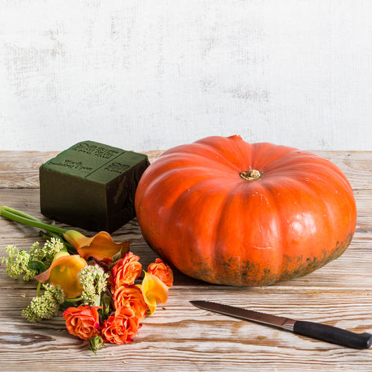 Fall Pumpkin Centerpiece Materials