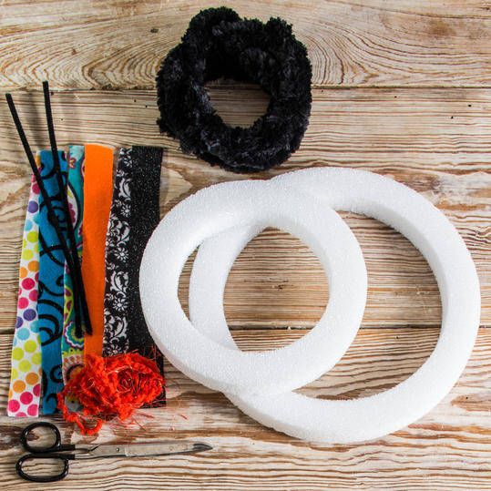 Calico-Cat Wreath Materials