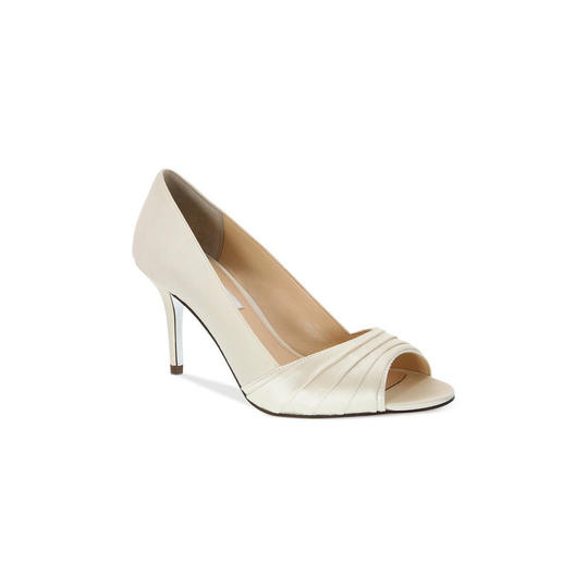 We've narrowed down your choices if you're wearing a white or ivory gown for your nuptials. From comfy flats to sophisticated pumps