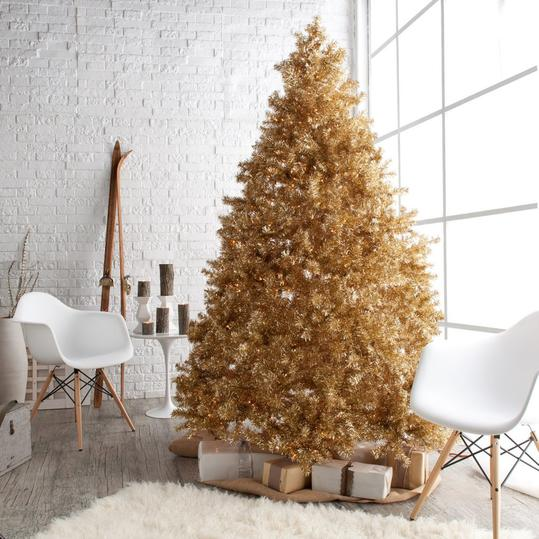 Christmas Tree Themes For Any Style Southern Living - Christmas Tree Themes Pictures