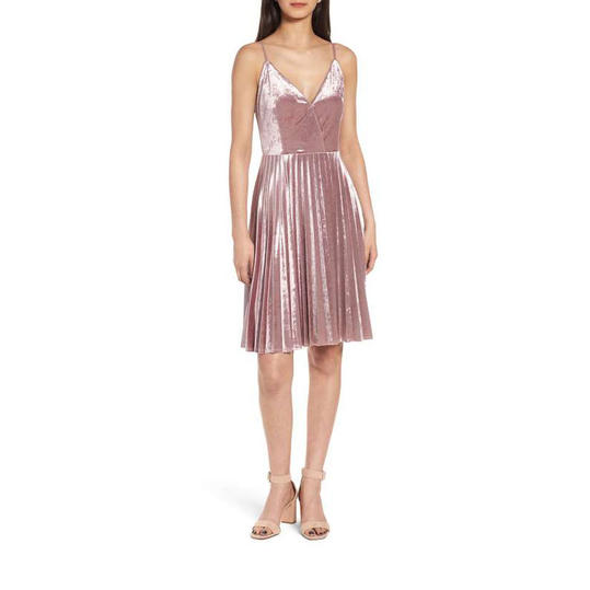 RX_1706_Affordable New Year's Eve Party Dresses Under $100_Velvet Touch