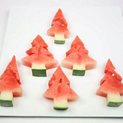 17 Festive Party Ideas For Christmas In July
