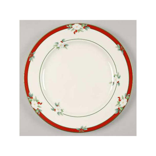 Pfaltzgraff Yuletide  sc 1 st  Southern Living & Christmas China Patterns Youu0027ll Love for Your Southern Home ...