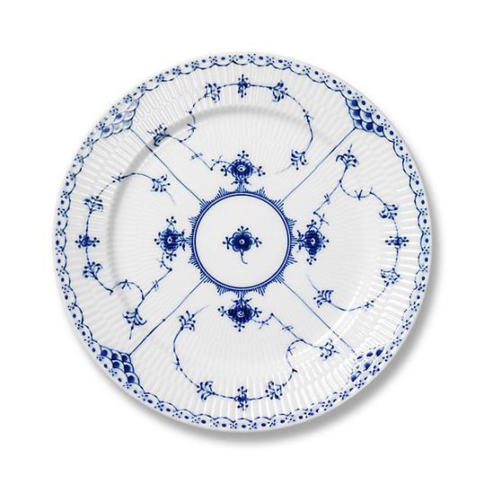 The Most Classic China Patterns Of All Time Southern Living Enchanting Fine China Patterns