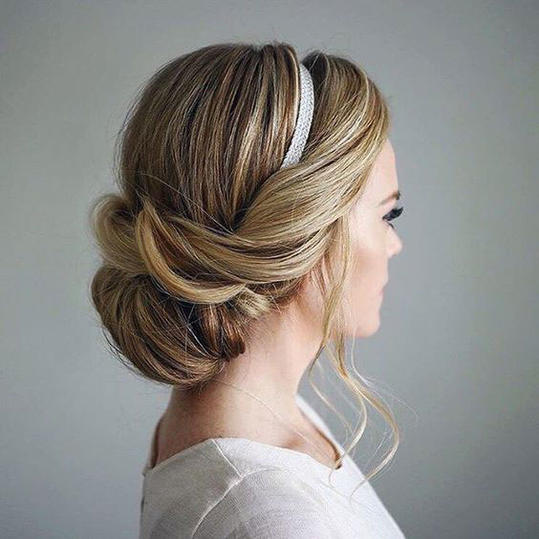 Hairstyle For Attending Wedding: Gorgeous Updos For Bridesmaids