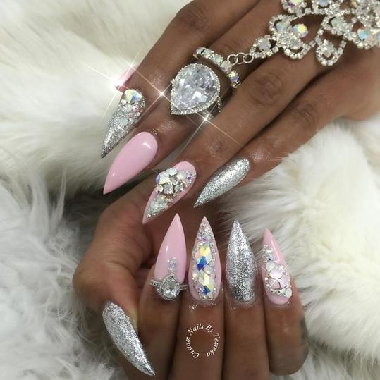 Nail Art Studio: Beauty Trends We're Leaving In 2017