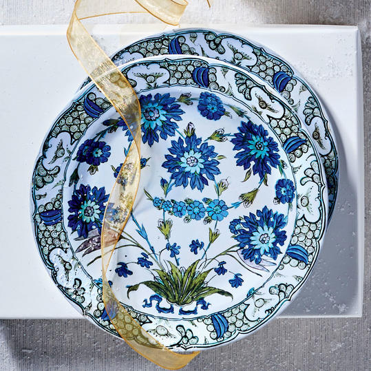 Blue Floral Tin Leaf Plates
