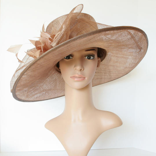 Beautiful Easter Hats That ll Complete Your Holiday Outfit ... dfafebd305d8
