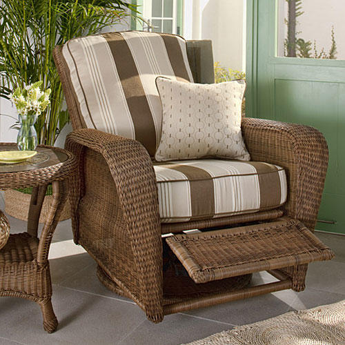Attractive Outdoor Furniture Collection Slideshow Image 2
