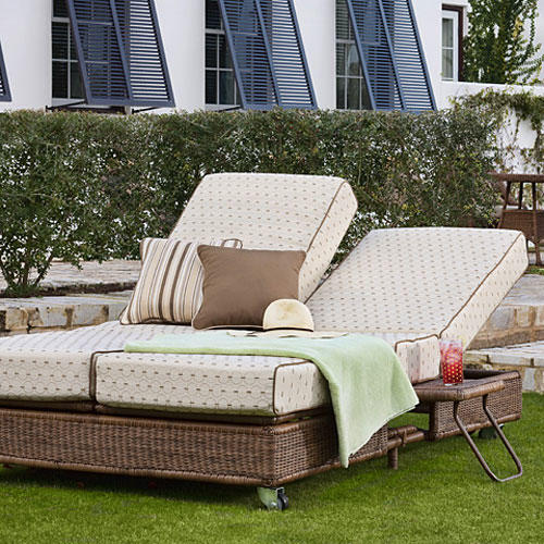 Attractive Outdoor Furniture Collection Slideshow Image 3