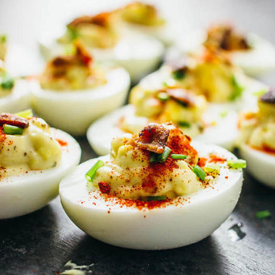 spicy Sriracha deviled eggs recipe