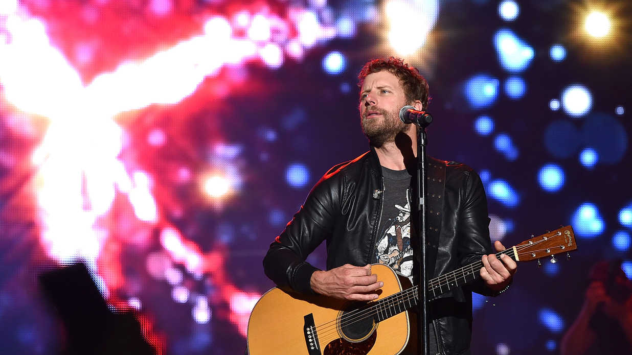watch dierks bentley 39 s new music video for 39 black 39. Cars Review. Best American Auto & Cars Review