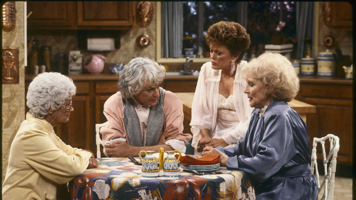 nashville 39 s clare bowen covered the 39 golden girls 39 theme and it