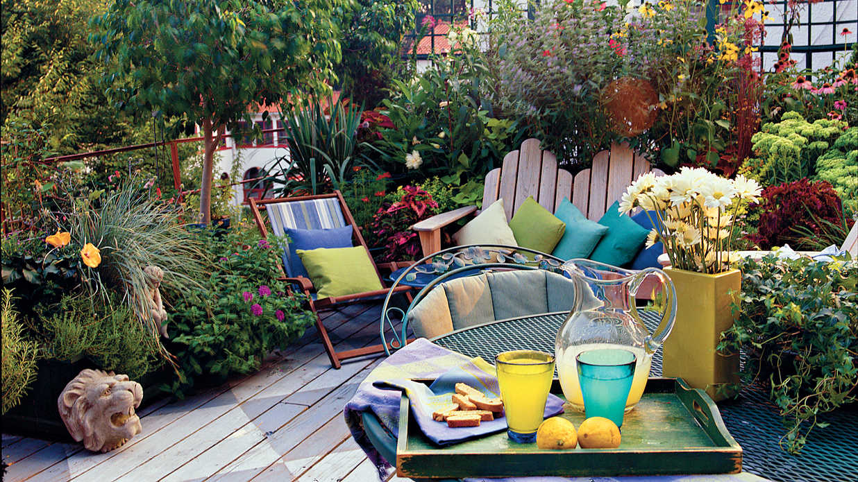 Create an outdoor room southern living for Creating an outdoor living space