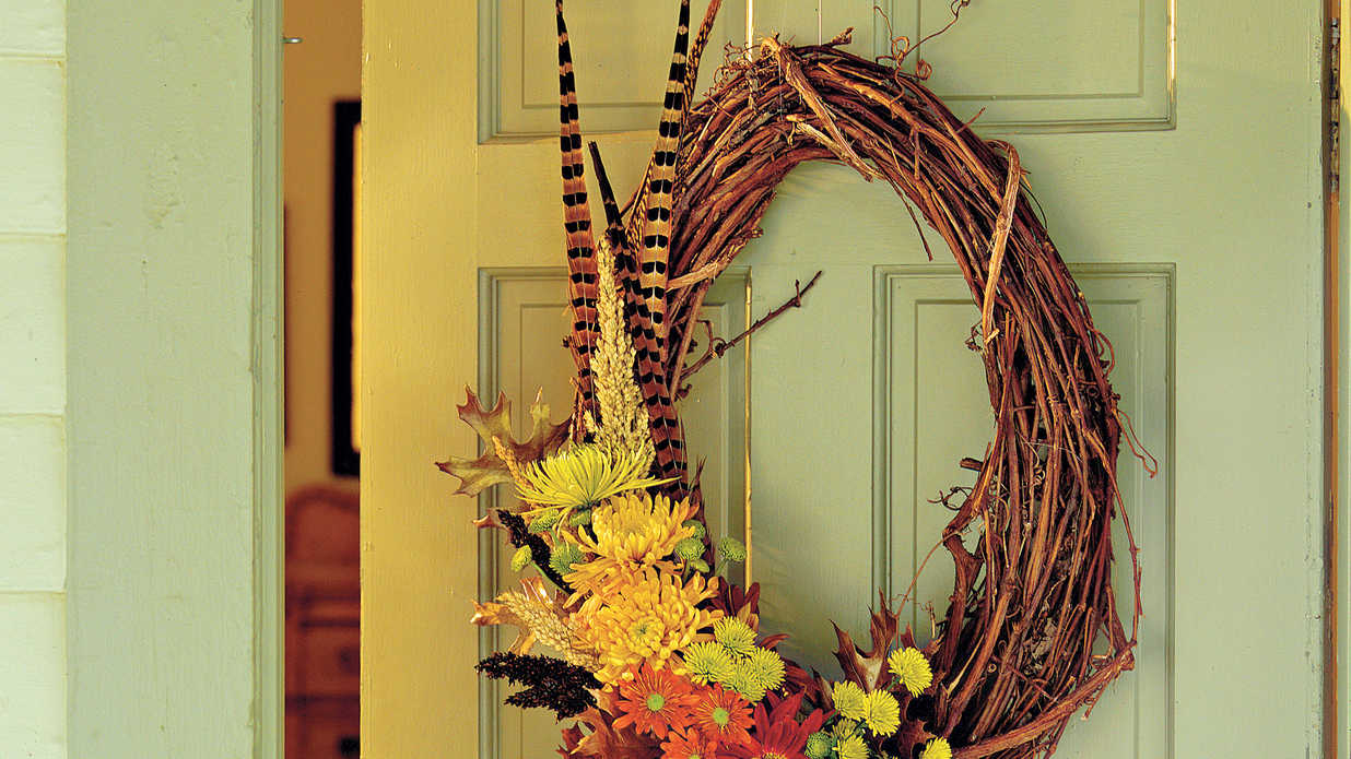 Thanksgiving Door Wreaths and Centerpieces