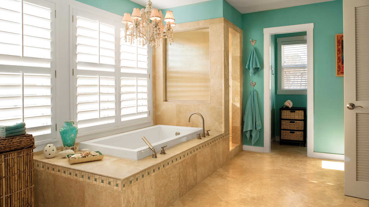 Pretty bathroom color combo southern living for Pretty bathrooms