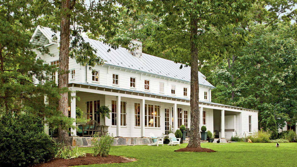 Country style home southern living for Southern farmhouse