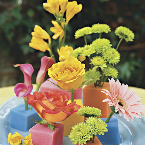 Fun Spring Centerpieces With Flowers