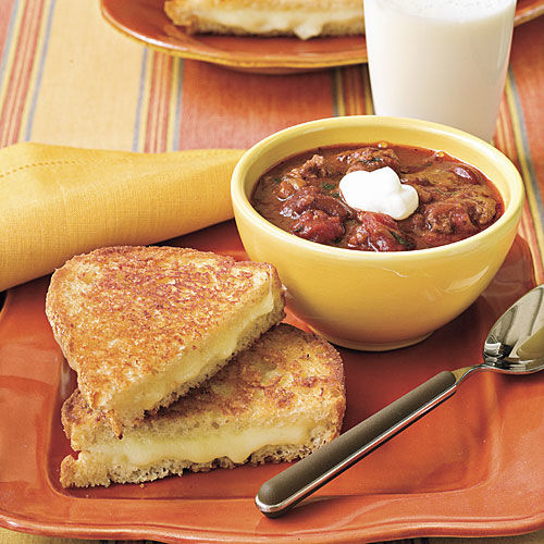 Quick Grilled Cheese and Chili