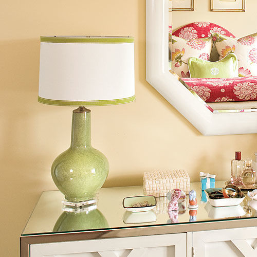 WATCH: How to Transform a Lampshade