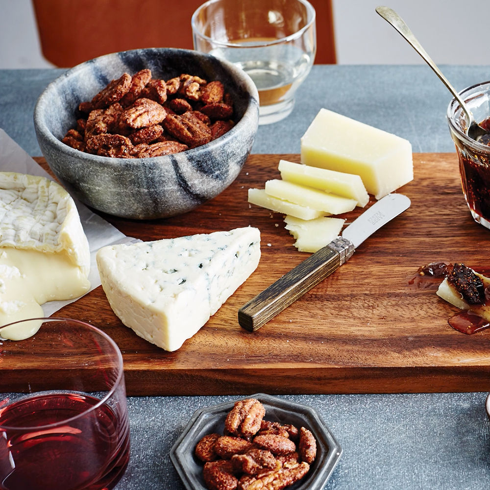 Why You Should Make a Christmas Day Cheese Board