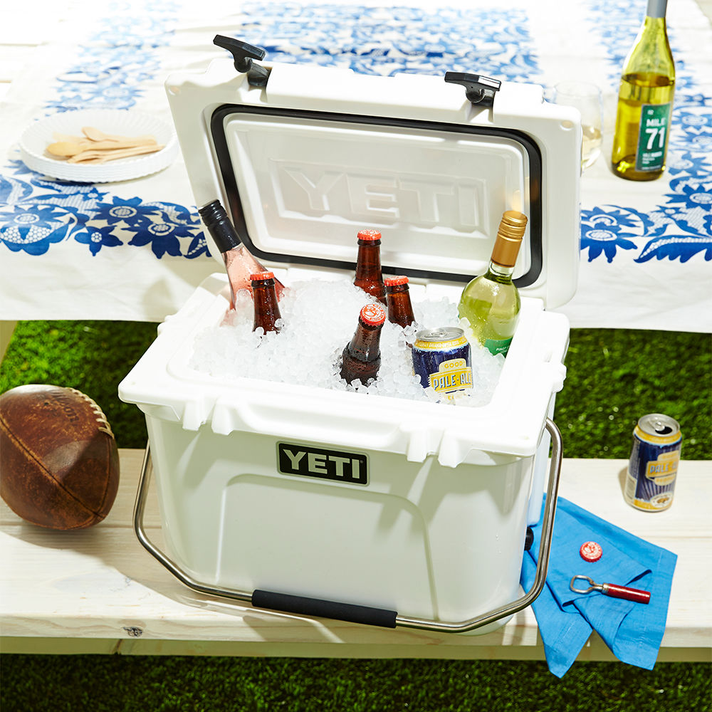 How To Keep Food Cold at a Tailgate