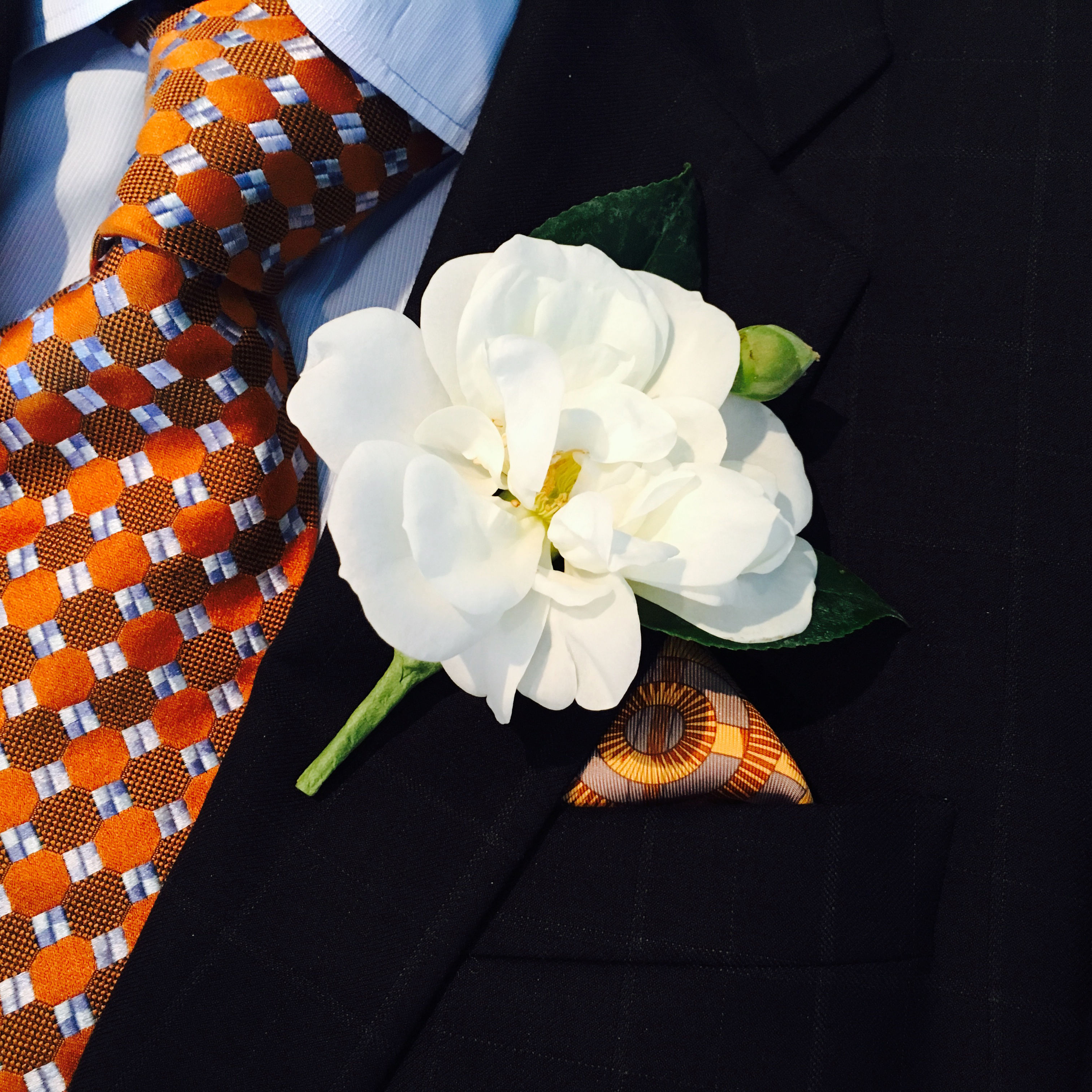 DIY Camellia Boutonniere With Floral Expert Ron Wendt