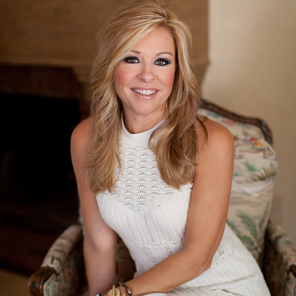 Fall Decorating With Leigh Anne Tuohy