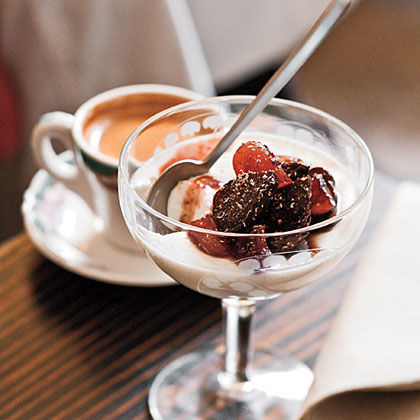 Buttermilk Panna Cotta With Zinfandel-Poached Figs Recipe