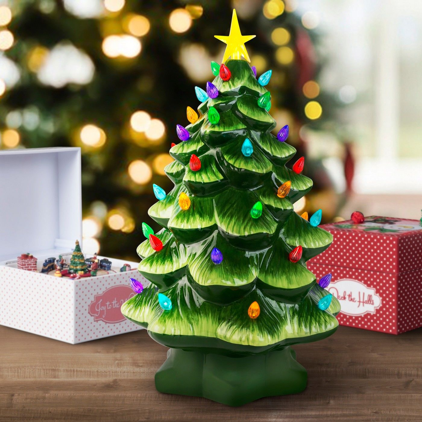 WATCH: These Nostalgic Christmas Trees Are Making a Comeback