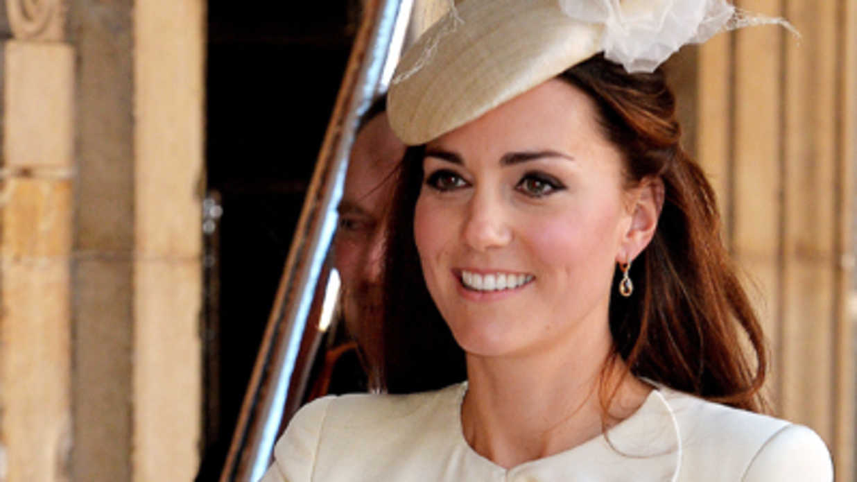 16 of Kate Middleton's Cutest Mommy Moments with Her Little Prince and Princess