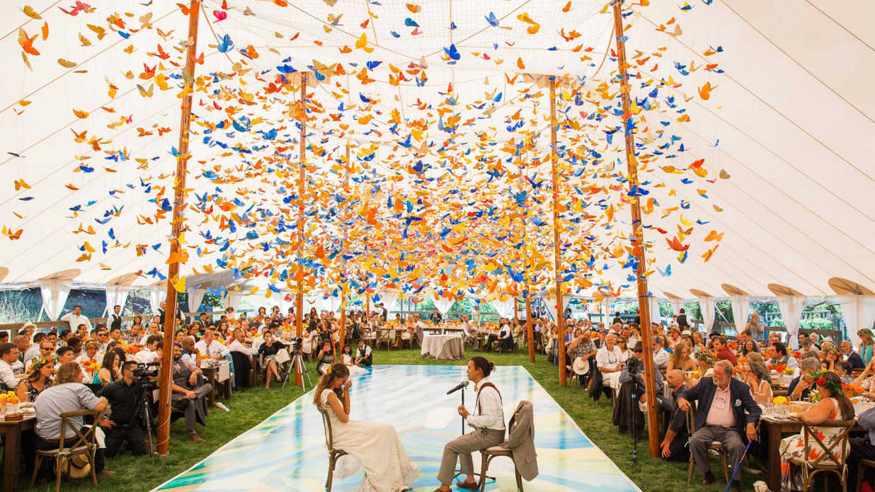Breathtaking Ceiling Decoration Ideas For Your Wedding
