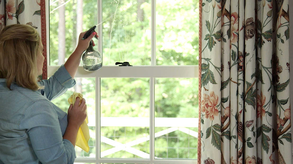 The best way to clean windows video southern living - Best way to clean windows ...