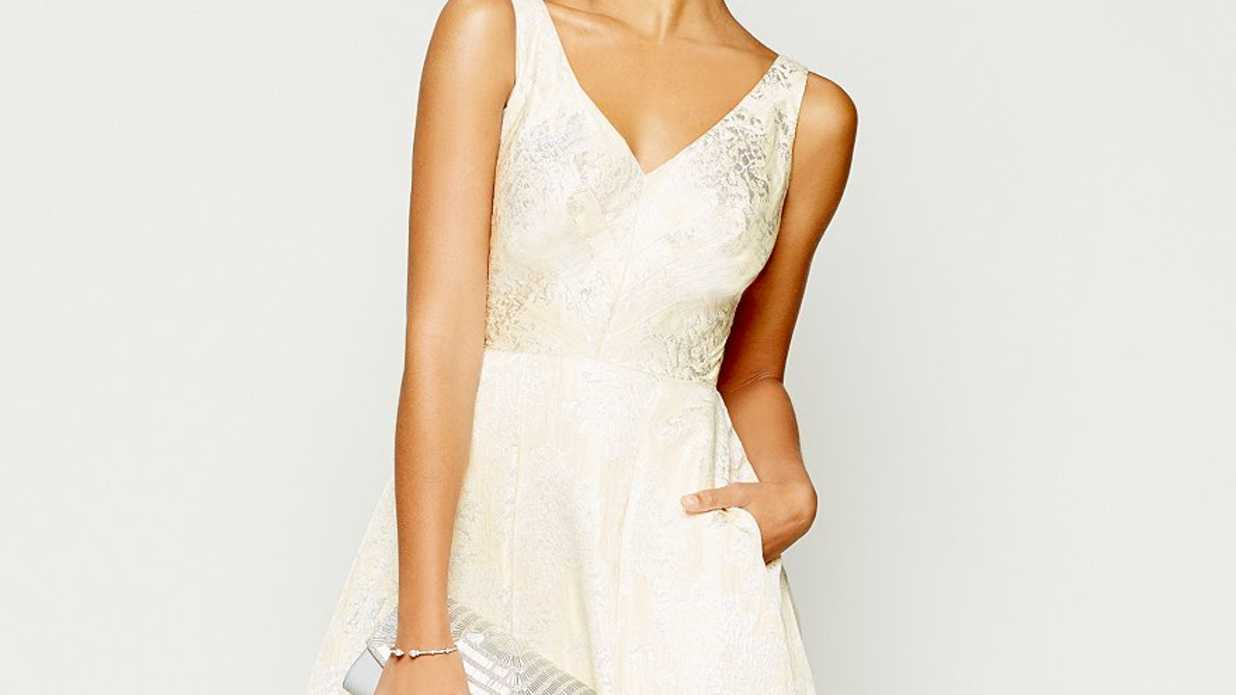7 Gorgeous Mother of the Bride Dresses