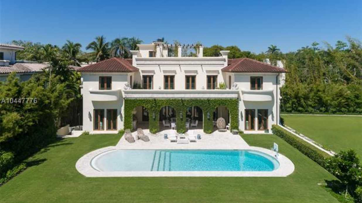 See Inside the $16,990,000 Florida Mansion on Land Once Owned by Billionaire Howard Hughes