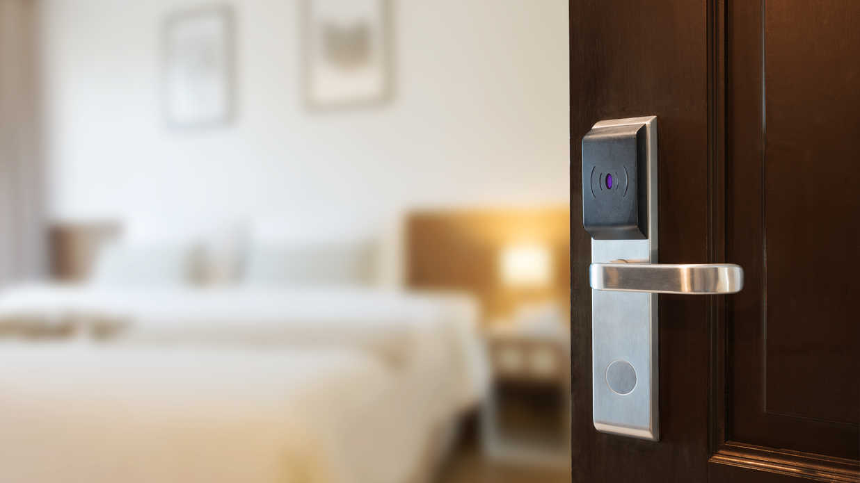 There's a Secret Code Thieves Use to Break Into Hotel Safes