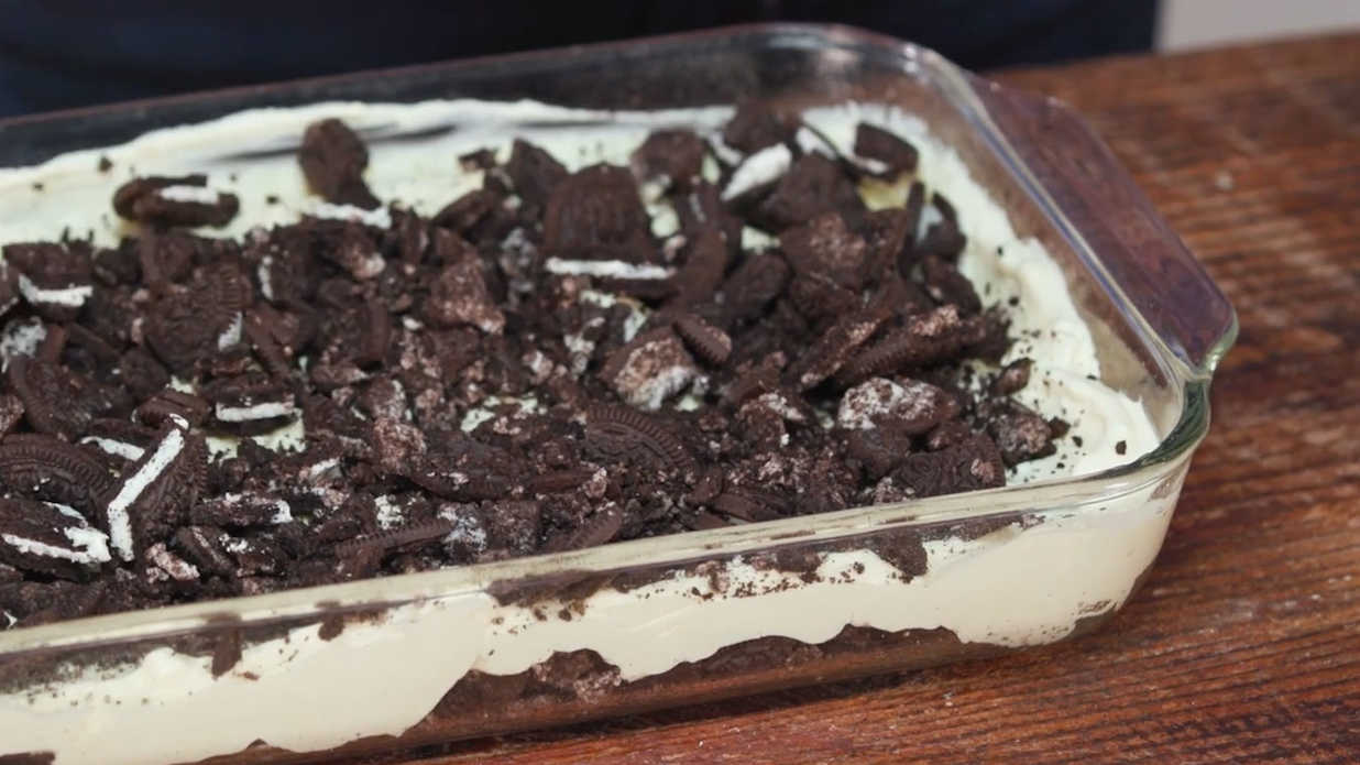 Sara Evans' Missouri Dirt Cake Recipe