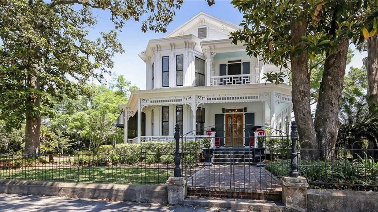 This Historic Victorian For Sale on Amelia Island Redefines Outdoor Living