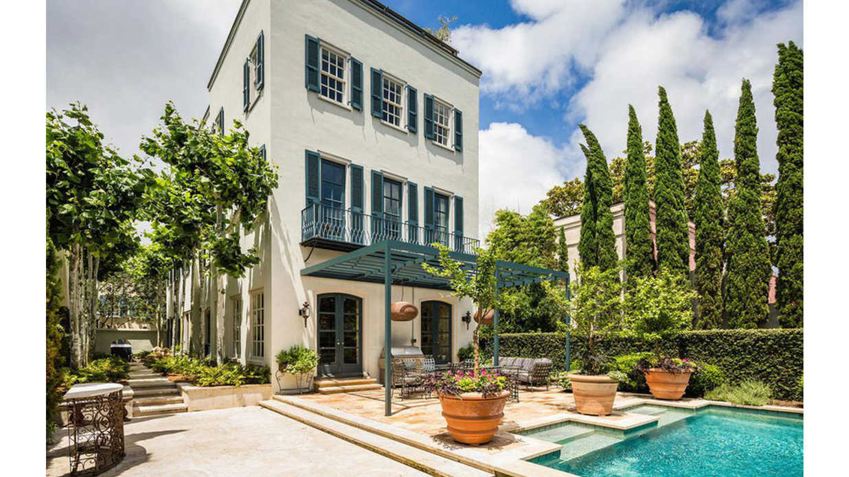 We Love Every Inch of This Newly Listed Mansion in Charleston's Stunning Historic District