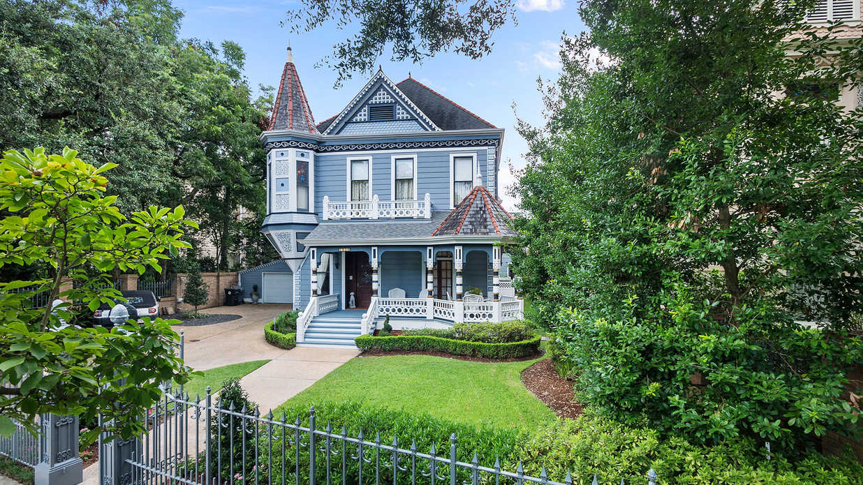 """""""The Blue Lady,"""" One of New Orleans' Most Iconic Victorians, Just Hit the Market for $3.5 Million"""