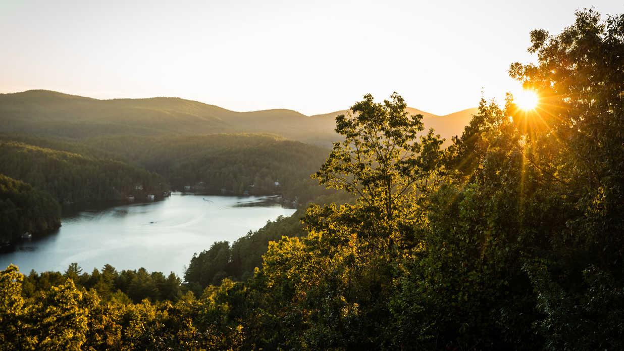 11 Mountain Girlfriend Getaways to Take This Fall