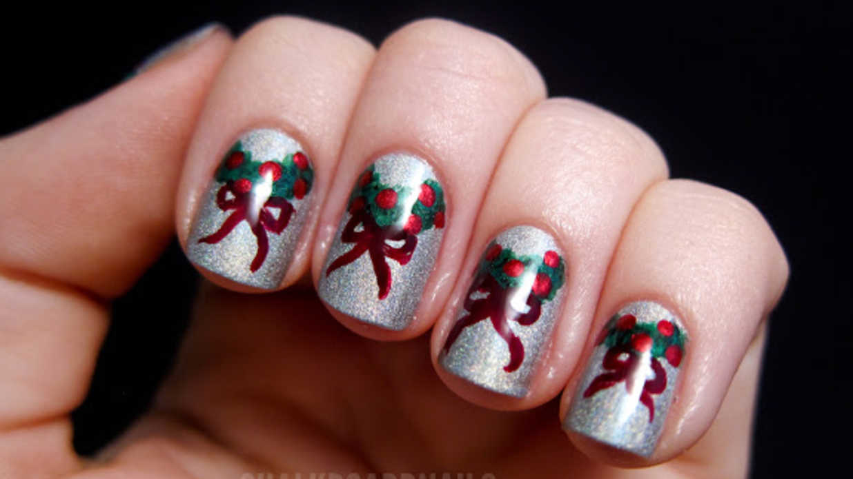 25 Festive Christmas Nail Ideas That'll Have You Fa-La-La-ing in Love