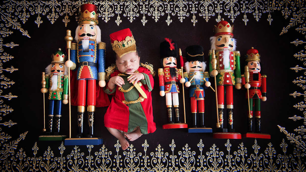 This Nutcracker-Themed Baby Photo Shoot Will Warm Any Grinch\'s Heart ...