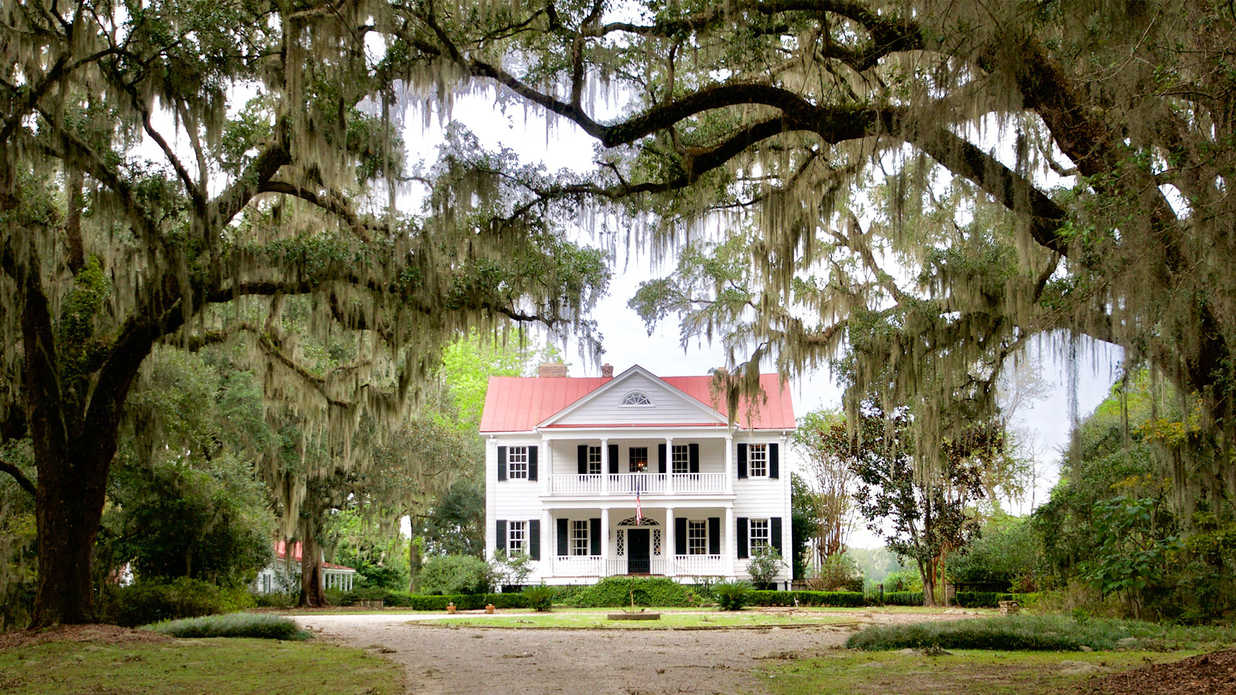 Beautiful, 286-Year-Old South Carolina Plantation Asks $25,000,000
