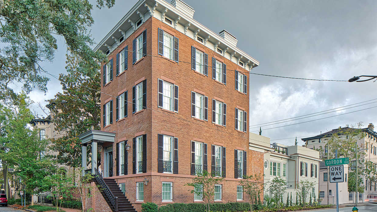 Historic Savannah Mansion's Flawless Renovation (And Its Countless Rooftop Terraces) Ask $5 Million