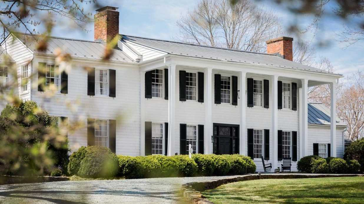 13 Charming Southern Inns Perfect for a Mother's Day Getaway